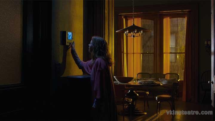 фото №2 из Женщина в окне